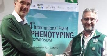 Ulrich Schurr (left), Forschungszentrum Jülich research center, Matthew Reynolds, wheat physiologist of the International Maize and Wheat Improvement Center (CIMMYT) 700