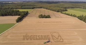 Image 1_Vogelsang and John Deere have launched joint project to promote more sustainable organic fertilizer application