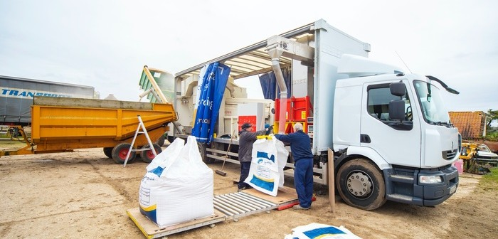 Agrovista mobile seed cleaning