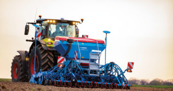 Greater seeding flexibility from the  Lemken Solitair with divided seed hopper